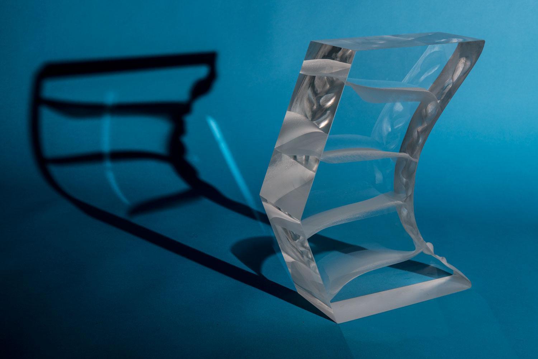 ARROW glass sculpture by artist Anna Alsina Bardagí